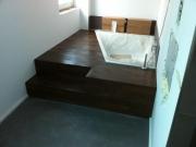 Beschichtung und Parkett im Badezimmer